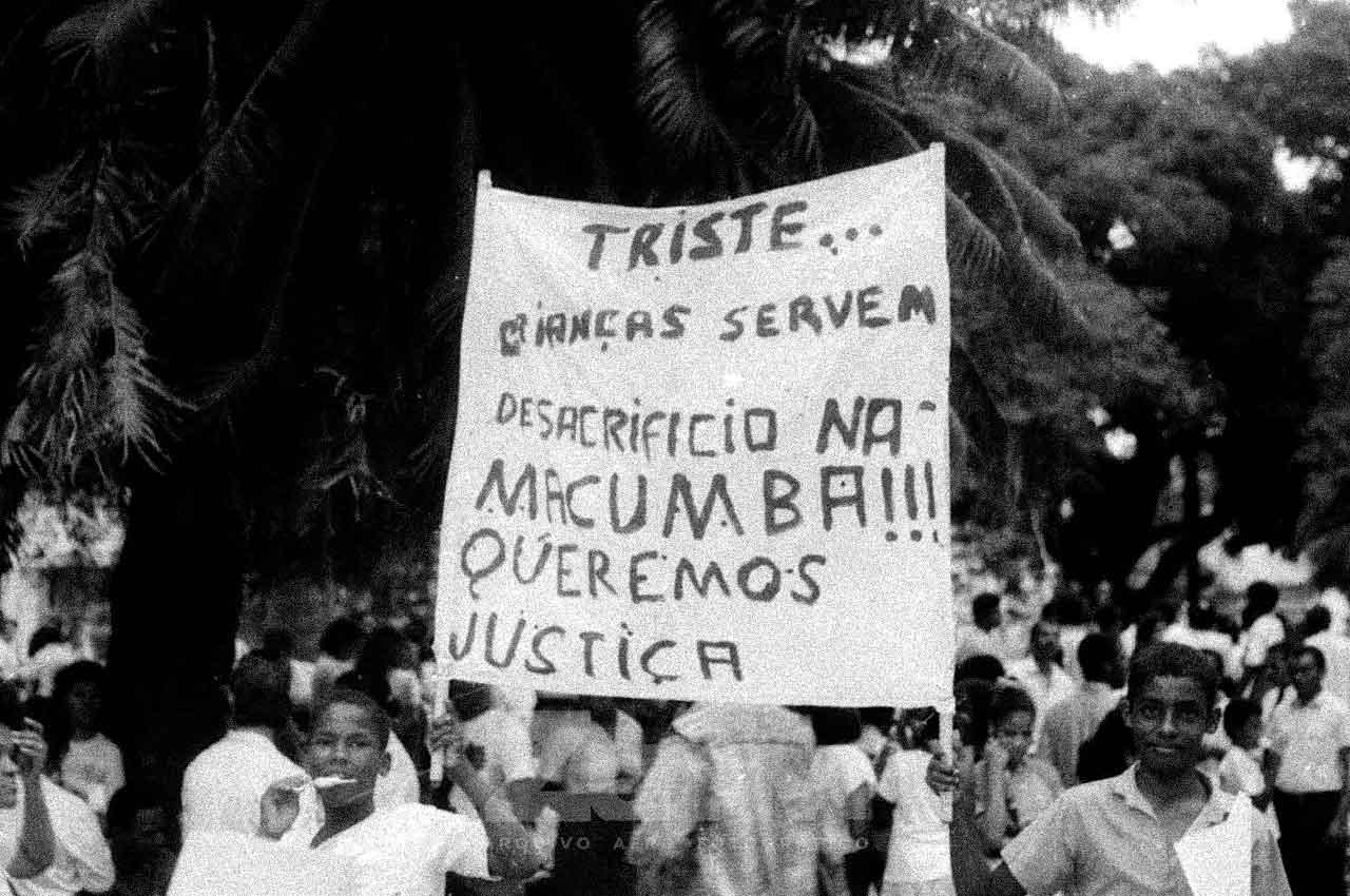 03-afro-fotografia-passeata-da-igreja-universal-contra-a-religiao do-candomble-ano-1989-foto-jonatas-conceiçao