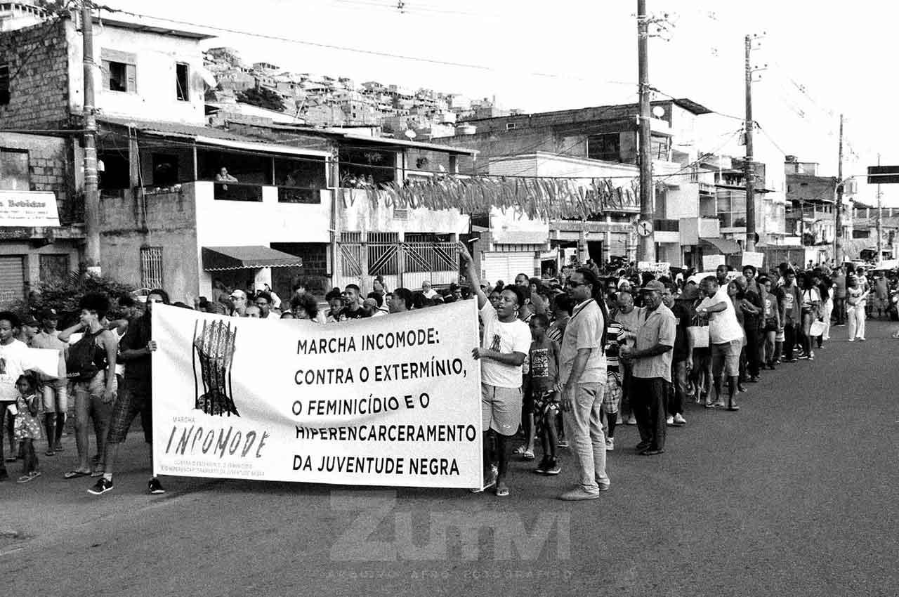 06-afro-fotografia-manifestação-contra-o-genocidio-no-suburbio.-ano-2018.-Foto-lazaro roberto