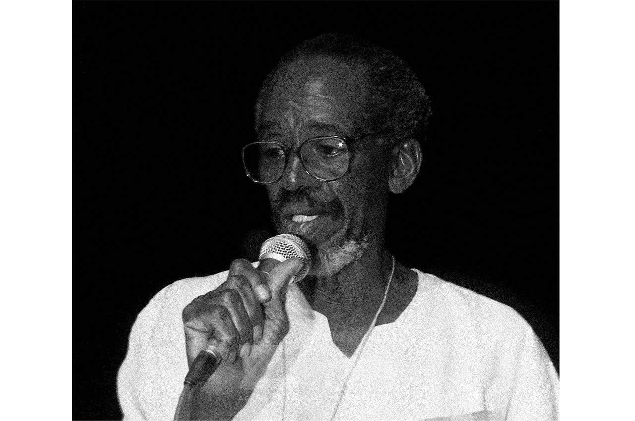 06-afro-fotografia-mario-gusmao-primeiro-ator-negro-da-escola-de-teatro-da-bahia-faleceu- em-20-de-novembro-1996