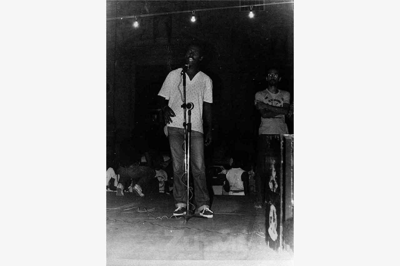 06-afro-fotografia-primeira-marcha-da-consciencia-negra-ano-1980-foto-jonatas-conceicao