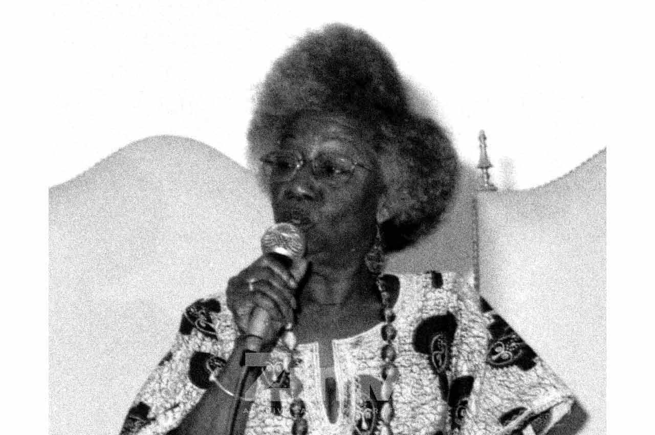 13-afro-fotografia-makota-valdina-professora-e-ativista-contra-intolerancia-religiosa-faleceu-em-19-de-marco. 2019