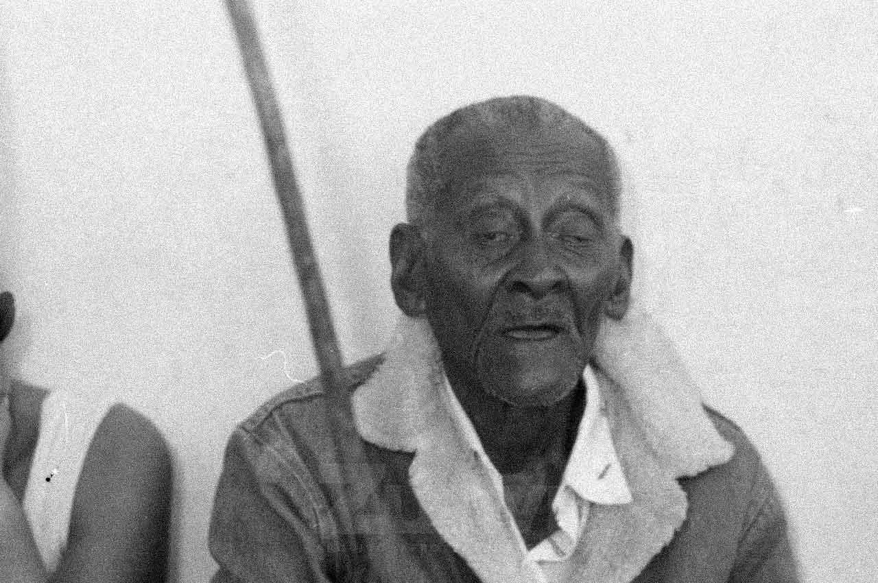 2516-afro-fotografia-rio-da-ras-comemoracao-pela-conquista-da-posse-da-terra-ano-1999-foto-lazaro-roberto